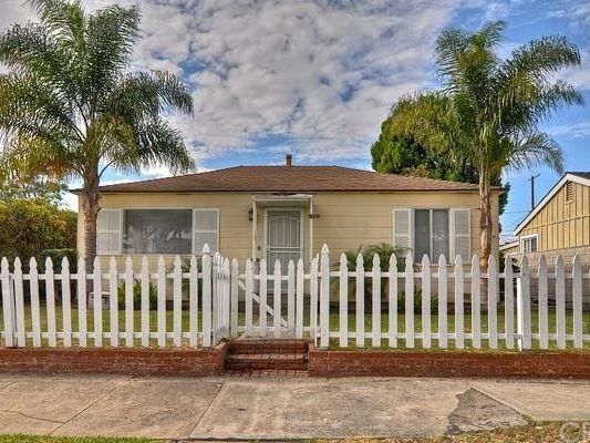 1107 Lake St, Huntington Beach, CA 92648