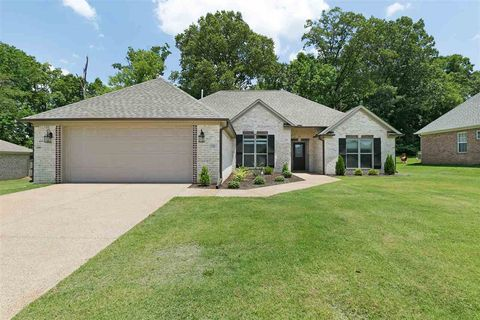 Photo of 103 Union Fort Dr, Jackson, TN 38305