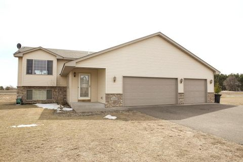 Photo of 25819 Euclid Ave, Wyoming, MN 55092