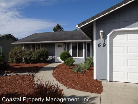 Photo of 69 Park Village Dr, Florence, OR 97439