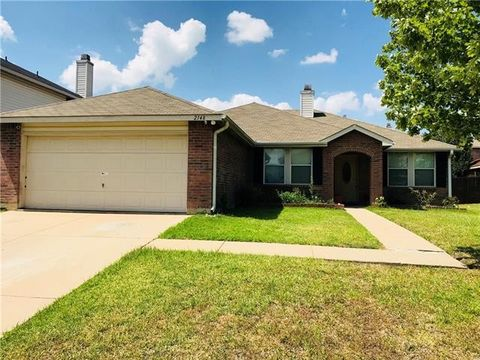 Photo of 2148 W Grove Ln, Grand Prairie, TX 75052