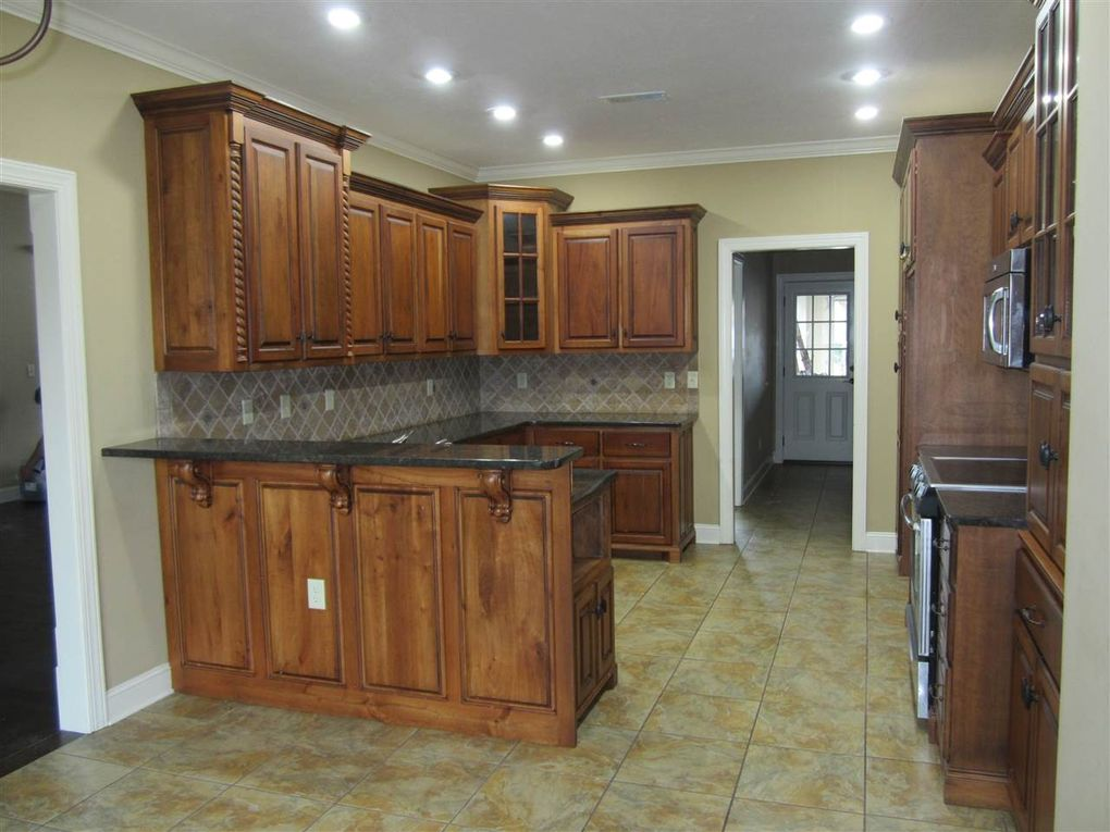 Kitchen Cabinets Jackson Tn 24 joseph cv, jackson, tn 38305 - realtor®
