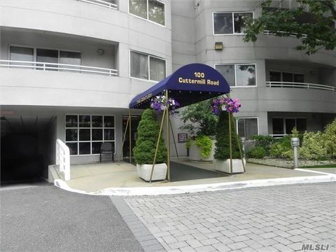 100 Cuttermill Rd Apt 4 M, Great Neck, NY 11021