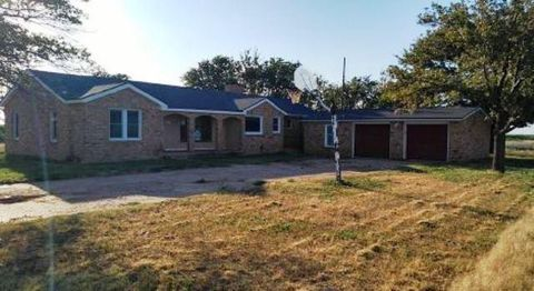 Photo of 3020 County Road 105, Plainview, TX 79072
