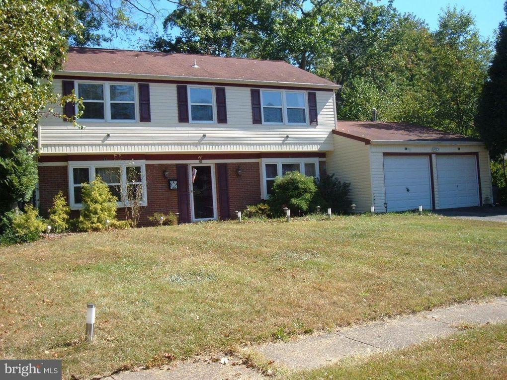 44 Newport Ln, Willingboro, NJ 08046