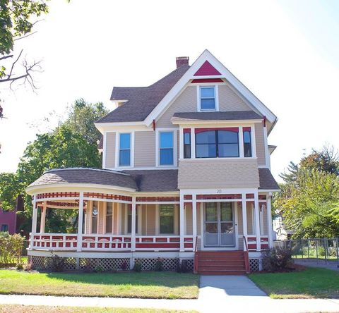 Photo of 20 Dartmouth St, Springfield, MA 01109