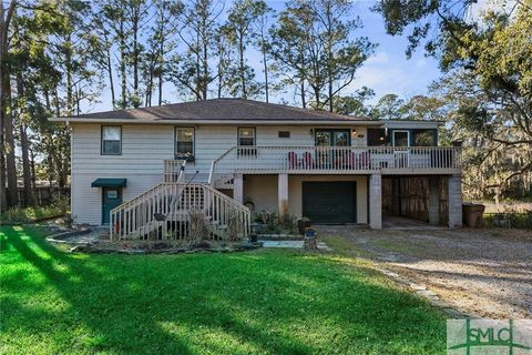 Photo of 111 S Campbell Ave, Tybee Island, GA 31328