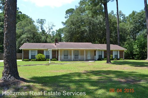 Photo of 611 Sandy Run Dr, Hinesville, GA 31313