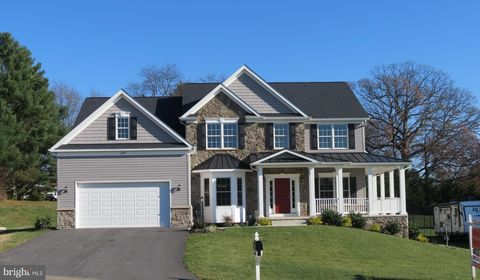 Photo of 6698 Chateau Bay Ct, Sykesville, MD 21784