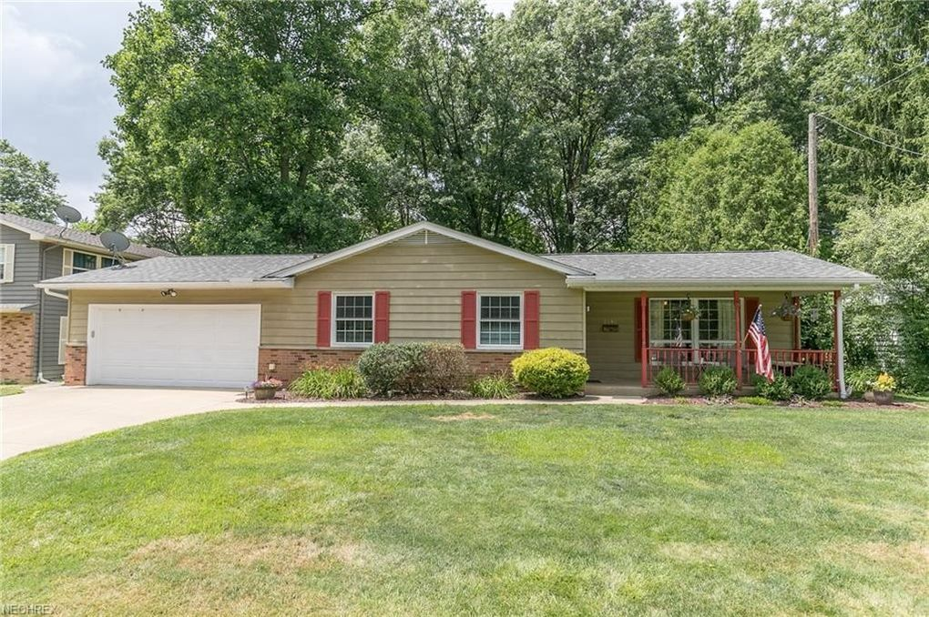3846 Vira Rd, Stow, OH 44224