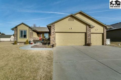 11712 W Wilkinson St, Maize, KS 67101