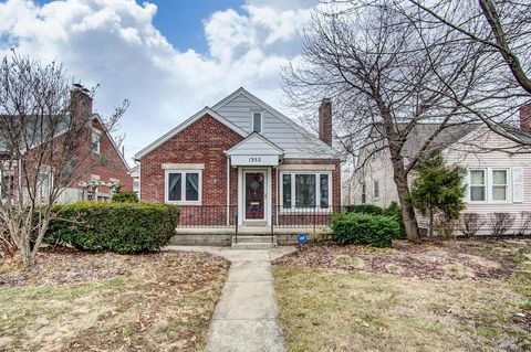 Photo of 1352 Meadow Rd, Columbus, OH 43212