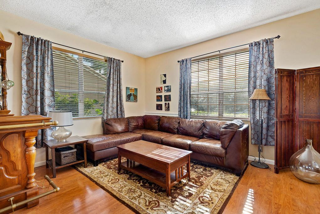 7491 Ladson Ter, Lake Worth, FL 33467