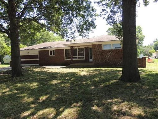 229 N Cherry St Gardner KS 66030