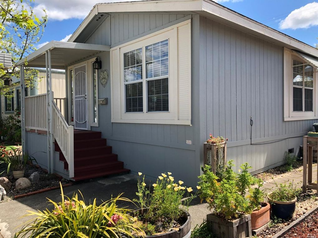 1145 Adrienne Way, Santa Rosa, CA 95401
