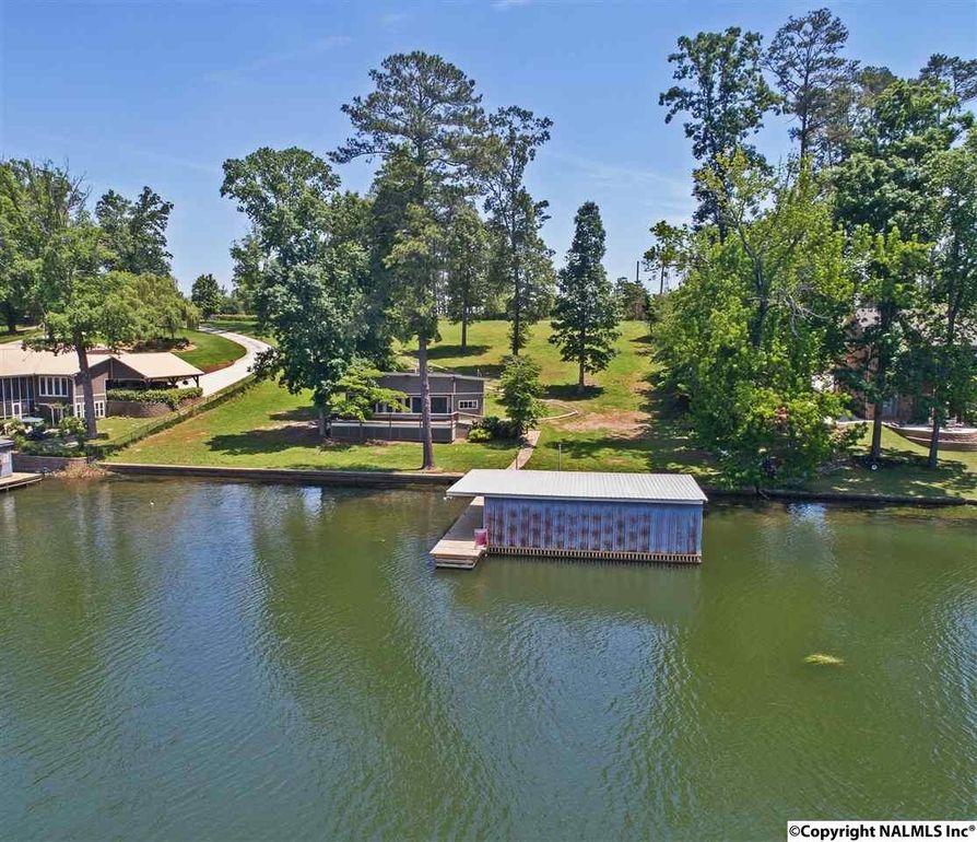 997 Browns Creek Rd, Guntersville, AL 35976