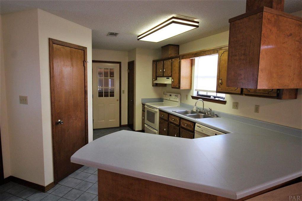 6407 Lake Charlene Ln Pensacola Fl 32506 Home For Rent Realtor