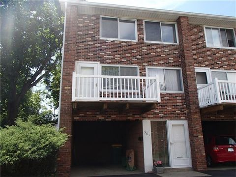 301 Highland Pines Ct, Ross Township, PA 15237
