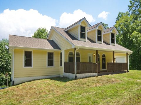 284 Water Wheel Dr, Green Mountain, NC 28740