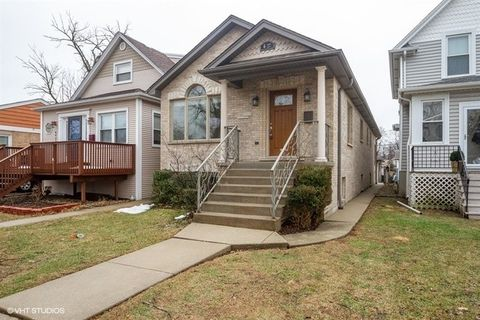 Photo of 6427 N Oliphant Ave, Chicago, IL 60631