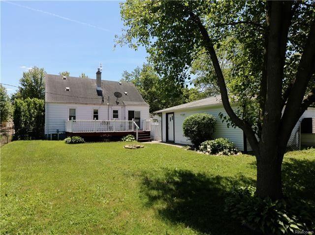 32326 Rosslyn Ave, Garden City, MI 48135 - realtor.com®