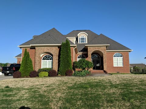 Photo of 8045 Fox Glove Dr, Ooltewah, TN 37363