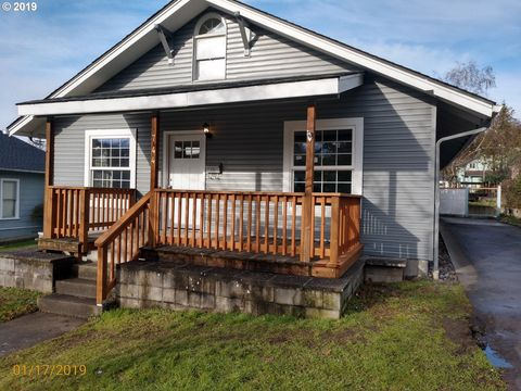 Photo of 744 Ne Nash St, Roseburg, OR 97470