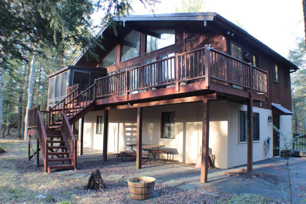 2263 Forest Dr W, Pocono Lake, PA 18347