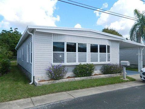 30 Yawl Ln, Palm Harbor, FL 34683