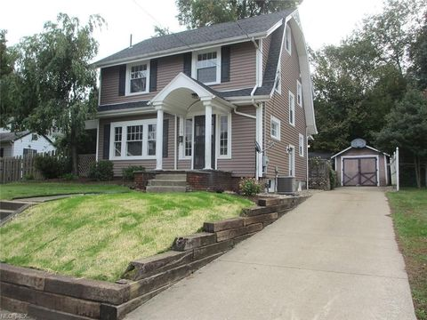 Photo of 116 Louis Ave, Louisville, OH 44641