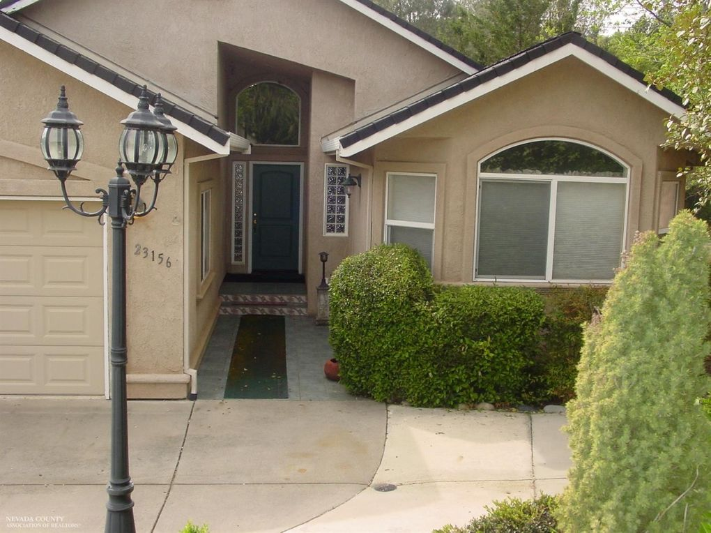 23156 Lone Pine Dr, Auburn, CA 95602