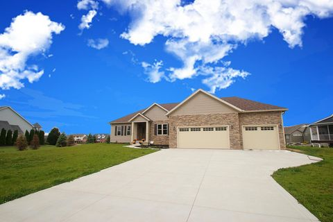 Photo of 1642 Eagle Links Dr, Marion, OH 43302