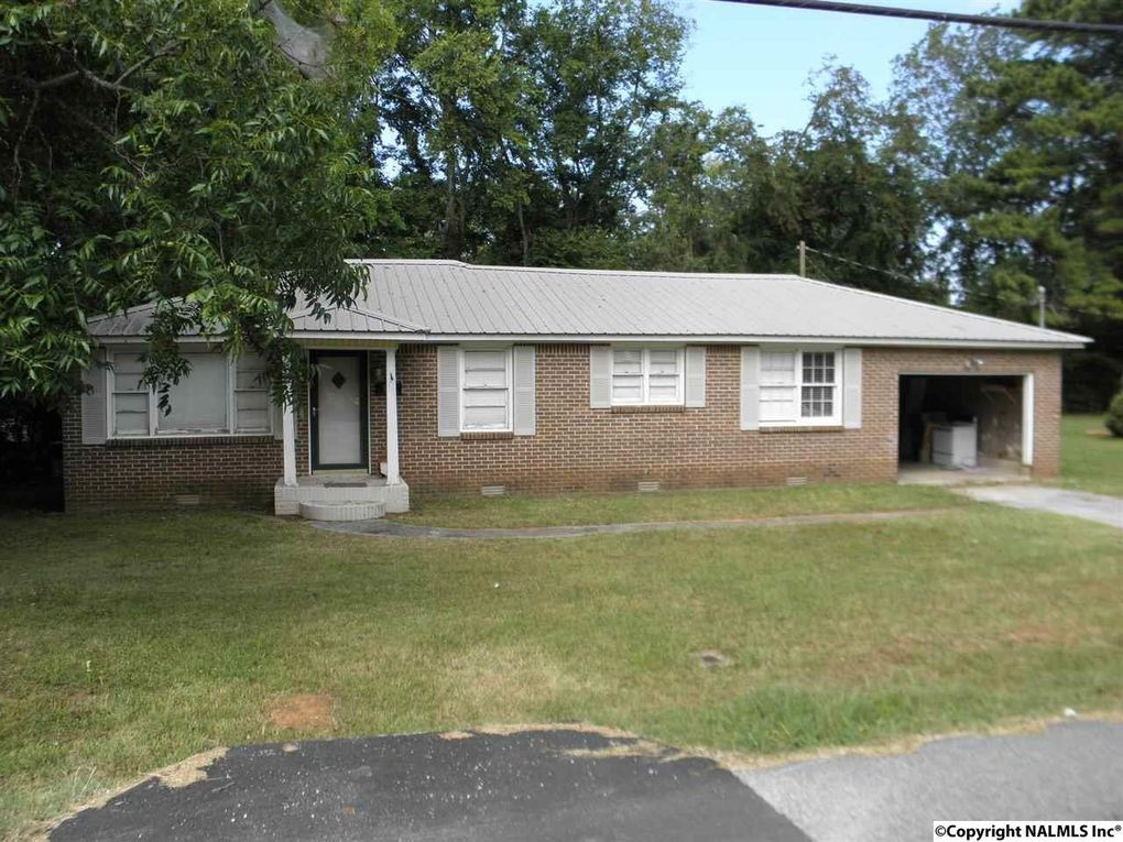 939 Main St, Moulton, AL 35650