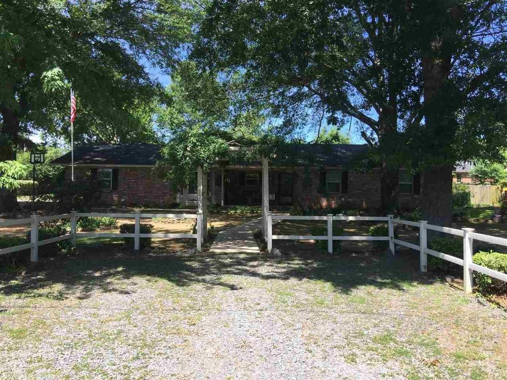 1 Cedar Oaks Dr Conway AR 72032