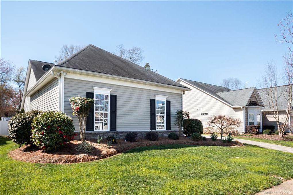 150 Wren Hill Dr, Mooresville, NC 28115