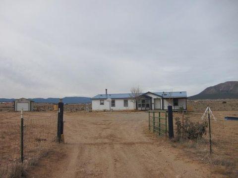 5 Falcon Ct E, Edgewood, NM 87015
