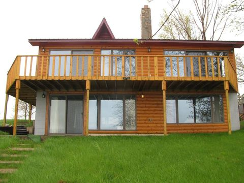 Photo of 3498 Marguerite Dr, Waubay, SD 57273