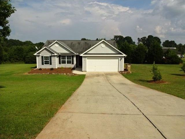 1230 Clearwater Dr Winder GA 30680