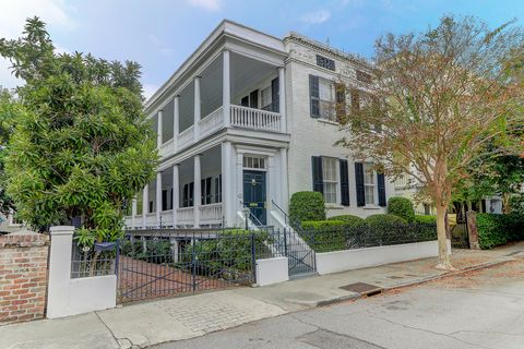 Photo of 44 Hasell St, Charleston, SC 29401