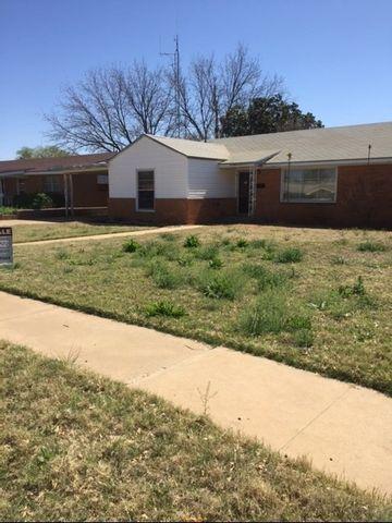 912 E Oak St, Brownfield, TX 79316