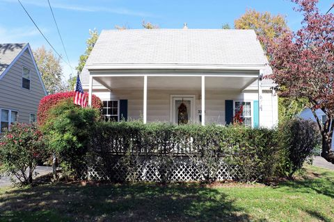 Photo of 3313 Grandview Ave, Louisville, KY 40207