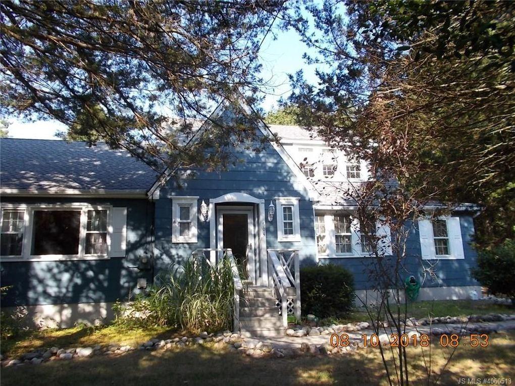 504 Cedar St, Tuckerton, NJ 08087