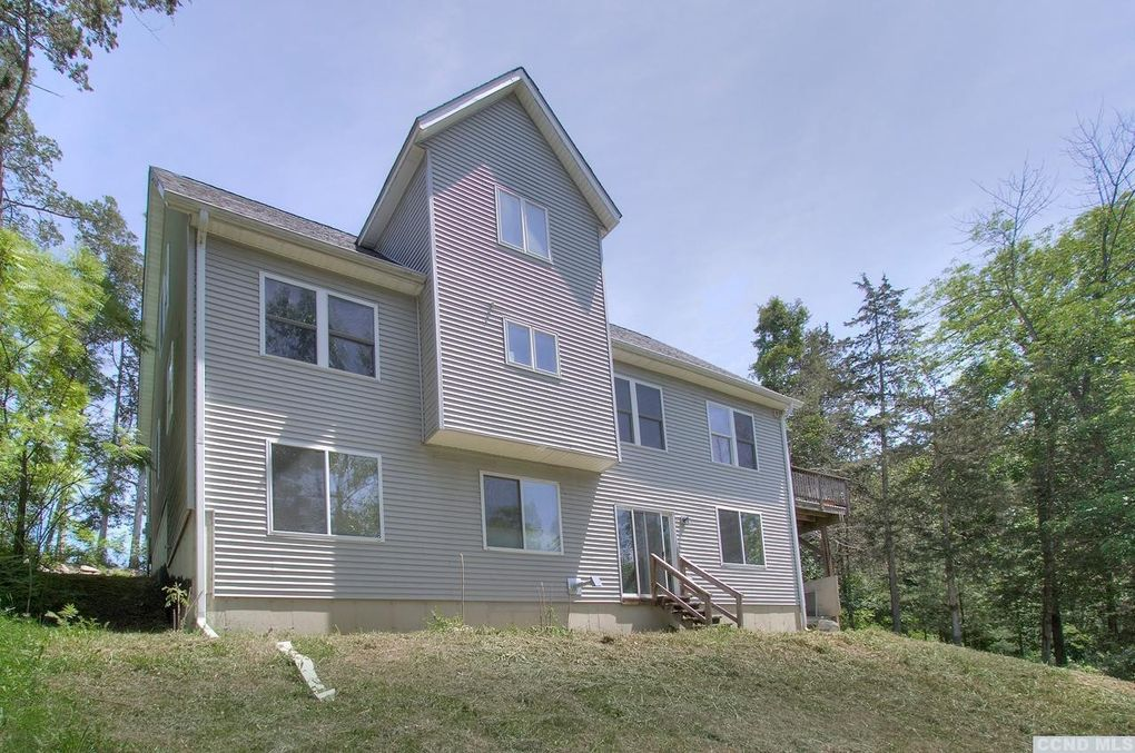 19 Valley Ct, Athens, NY 12015