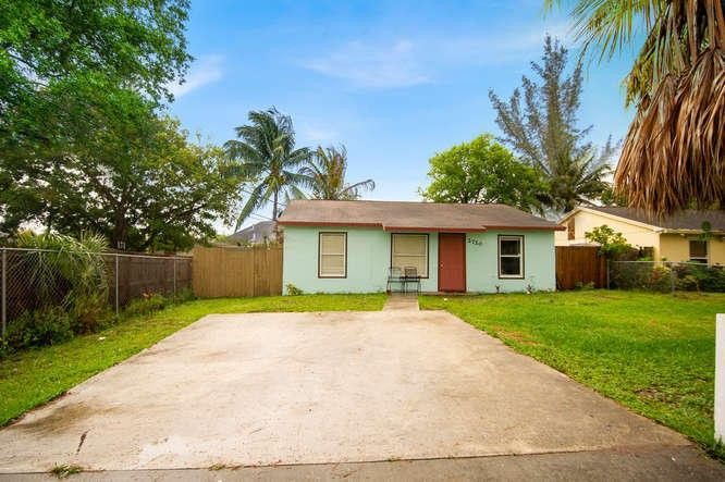 2720 Genessee Ave, West Palm Beach, FL 33409