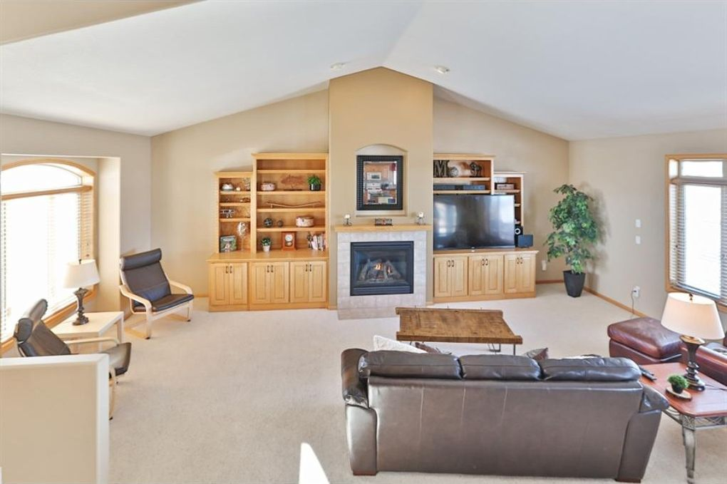 13127 Curry Ct, Rogers, MN 55374