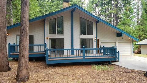 Photo of 612 Clifford Trl, Lake Almanor, CA 96137