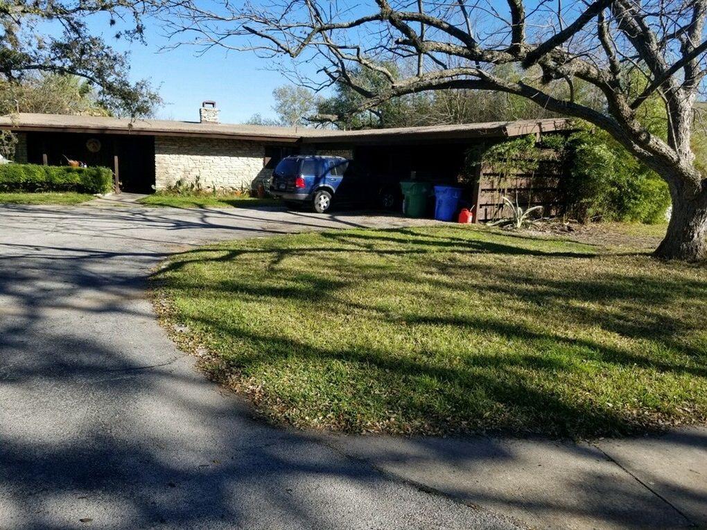126 Lakeway Dr, Lakeway, TX 78734