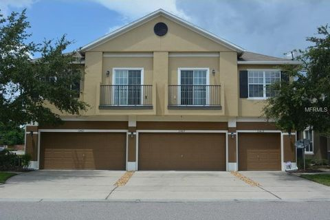 Condos And Townhomes For Sale In Tucker Oaks Condominiums Winter Garden Fl