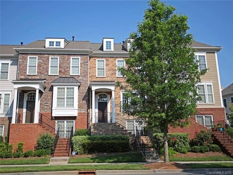 Photo of 1098 Drayton Ct, Fort Mill, SC 29708