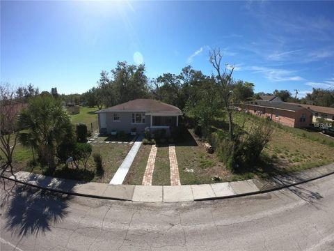 Photo of 635 E Grapefruit Ave, Lake Alfred, FL 33850